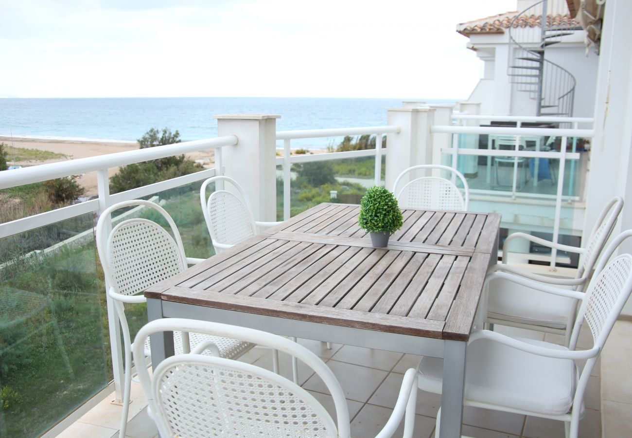 Ferienwohnung in Denia - LES PORTELLES Nº 61 1ª Línea Playa ÁTICO